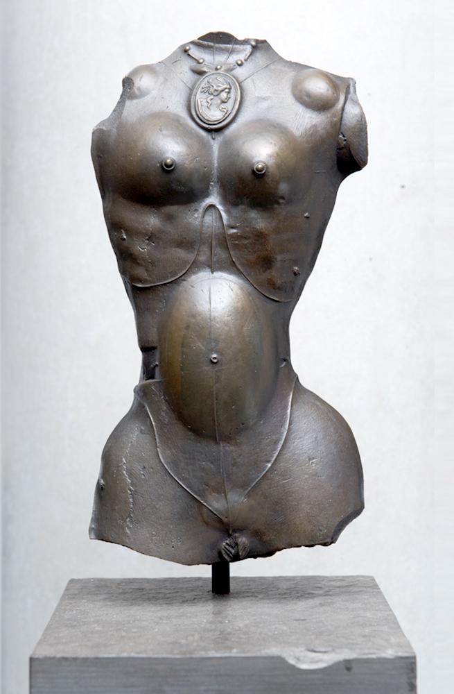 1983 | Weiblicher Torso mit Medaillon